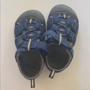 Toddler Keen Sandals -blue size 7